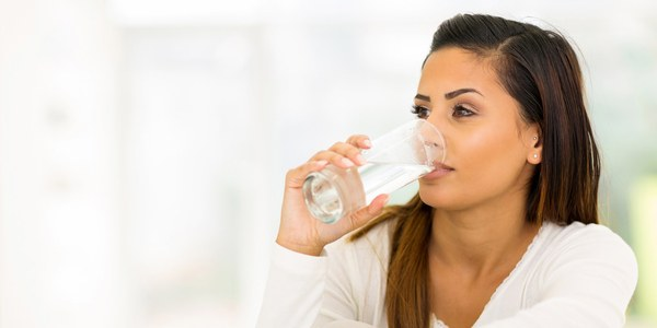 ​Drink 8oz-16oz of water about 10 or 20 minutes before eating.