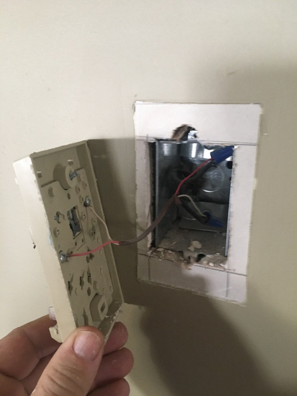 Review Of Honeywell Smart Wi Fi Thermostat For Homes Wiring Central Ac More Than Two Wires Connected You Might Have A C Wire But Still Need To Check The Diagram Your With That Needed