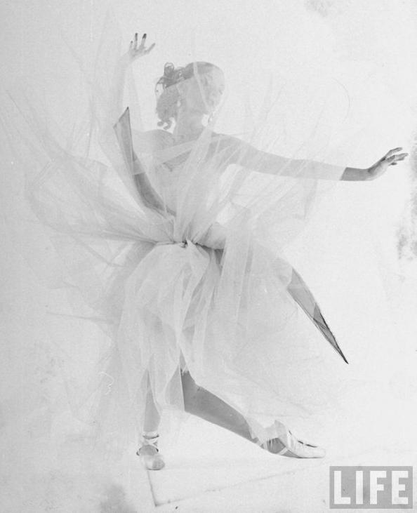 Dance Spirit Leclercq Costume La Valse 1951 Photo Gjon Mili