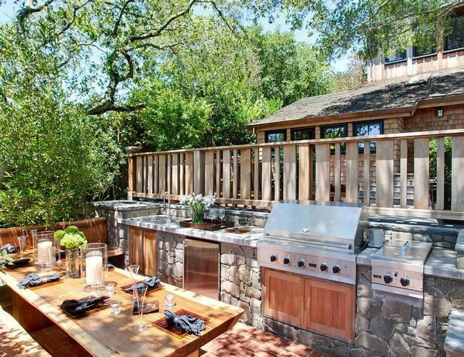The Outdoor Kitchen